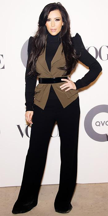 किम Kardashian 2011 Looks - Winter Kate trousers and a K-Dash vest
