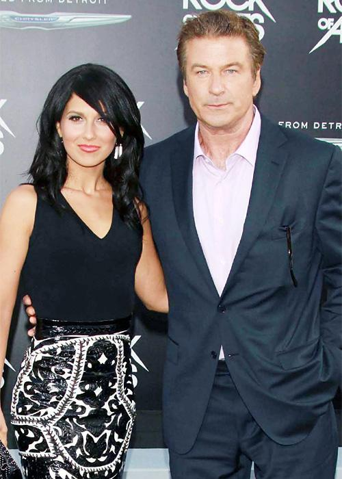 ชื่อเสียง Wedding Photos - Alec Baldwin and Hilaria Thomas