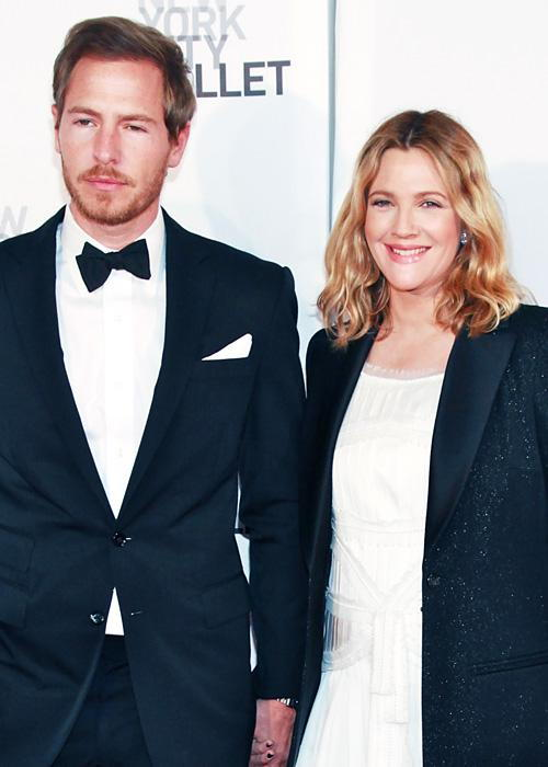 ชื่อเสียง Wedding Photos - Drew Barrymore and Will Kopelman