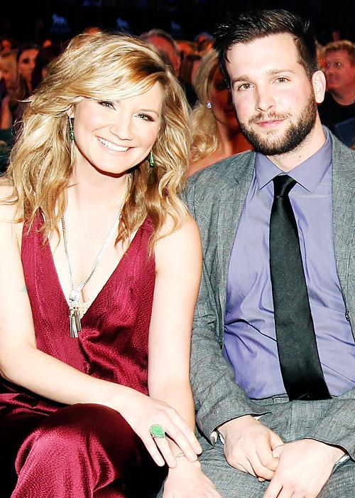 ชื่อเสียง Wedding Photos - Jennifer Nettles and Justin Miller