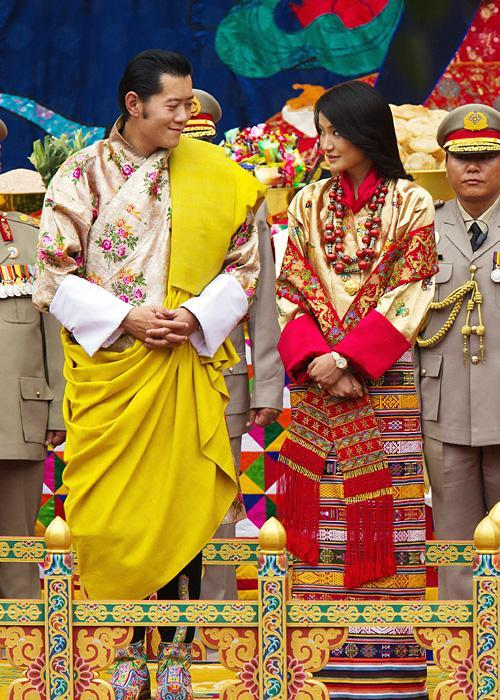 ชื่อเสียง Wedding Photos - King Jigme and Jetsun Pema