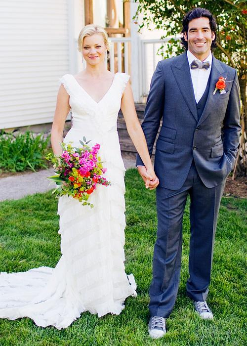 ชื่อเสียง Wedding Photos - Amy Smart and Carter Oosterhouse