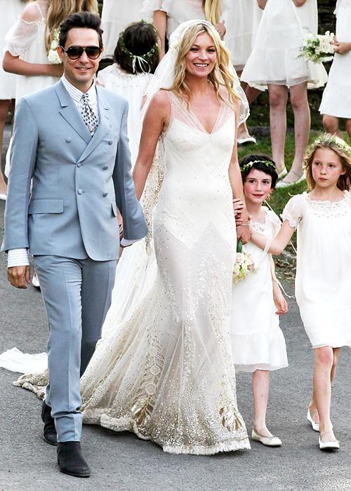 ชื่อเสียง Wedding Photos - Kate Moss and Jamie Hince