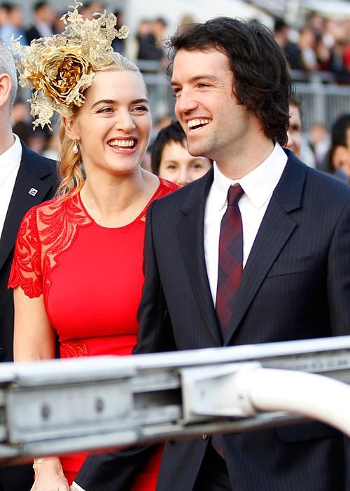 ชื่อเสียง Wedding Photos - Kate Winslet and Ned Rocknroll