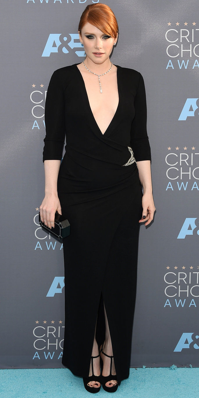 นักแสดงหญิง Bryce Dallas Howard attends the 21st Annual Critics' Choice Awards at Barker Hangar on January 17, 2016 in Santa Monica, California.