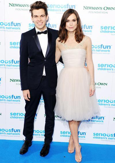 स्टाइलिश Couples: James Righton and Keira Knightley