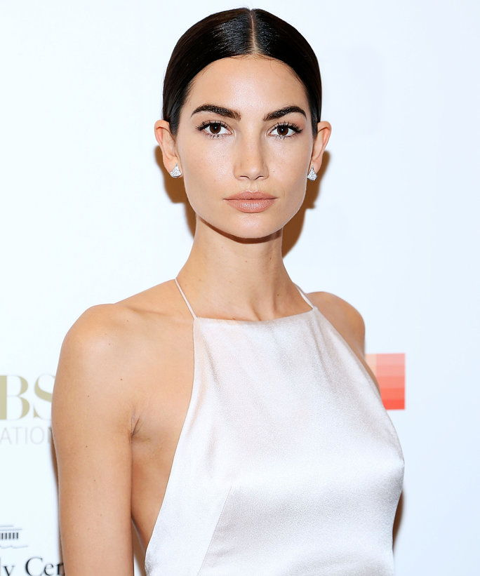 स्टाइल में March 2017 DIA Lily Aldridge - Lead