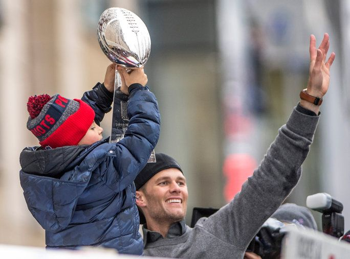 टॉम Brady Superbowl Victory Parade - LEAD