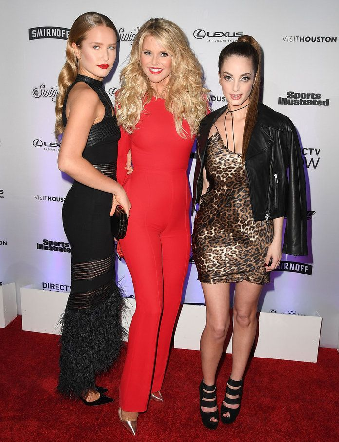 नाविक Brinkley Cook, Christie Brinkley, and Alexa Ray Joel