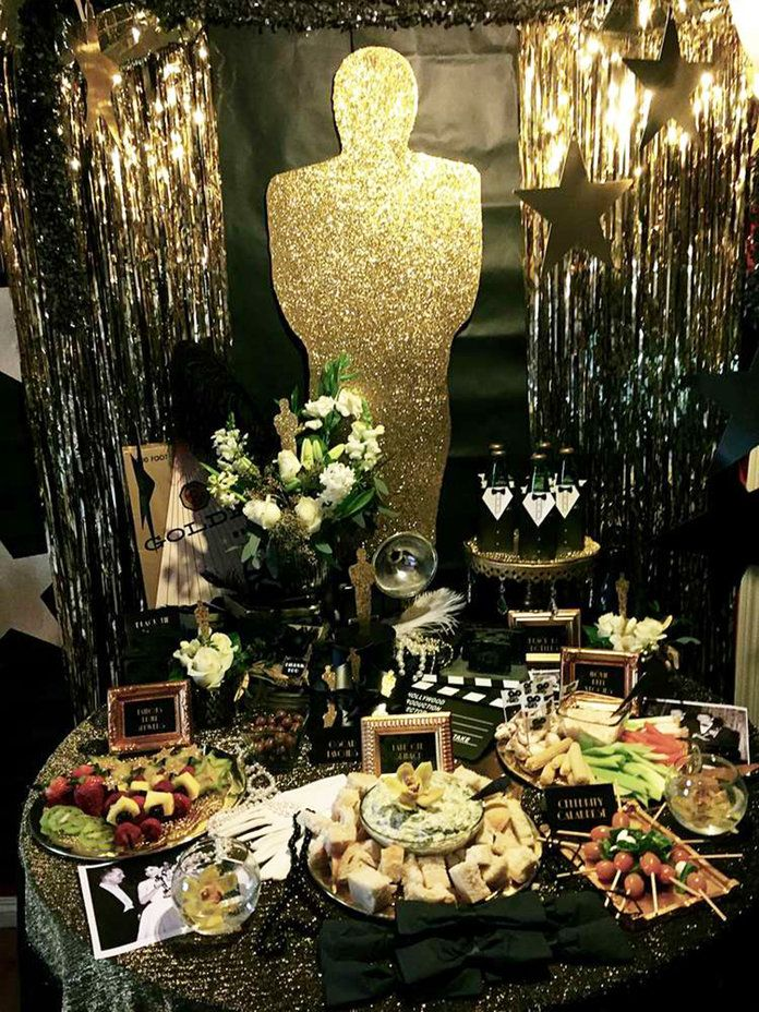 ए Roaring 20s' Themed Oscars Party