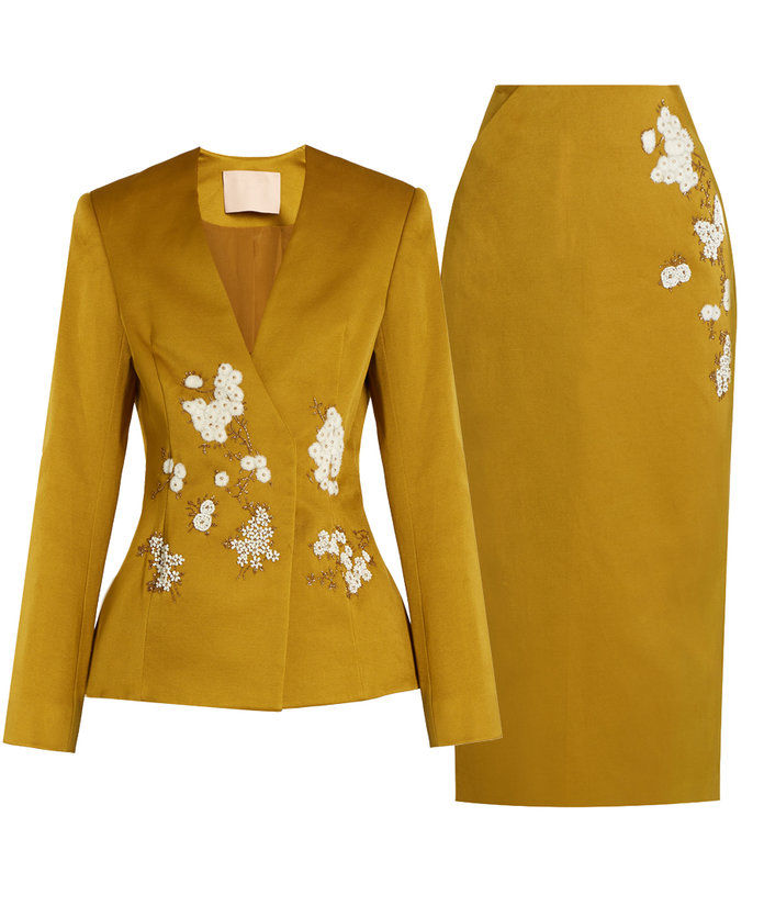 लेना a Stand in This Marigold Suit. Bright and Fun!