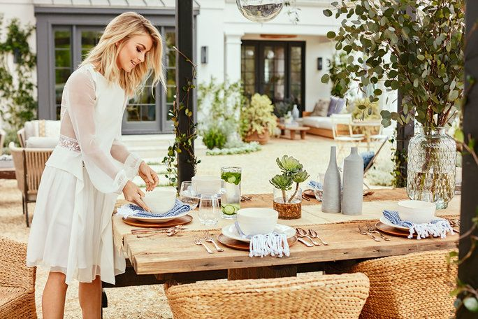 จูเลียน Hough Backyard Tour - Dinner Party Ready