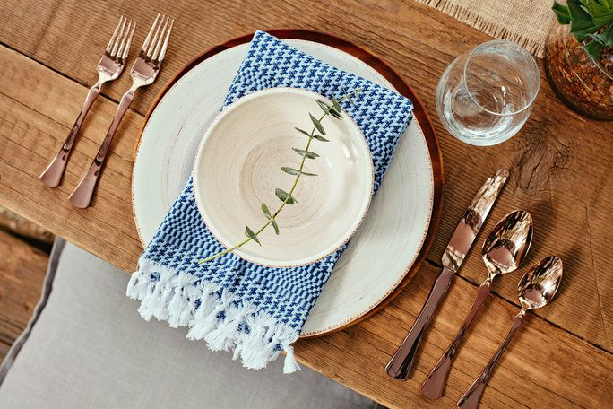 จูเลียน Hough Backyard Tour - Table Settings
