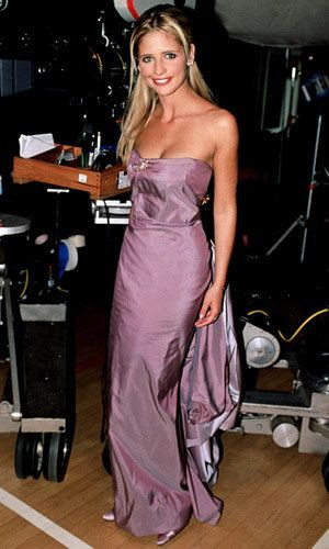 सारा Michelle Gellar - Buffy the Vampire Slayer - Iconic Prom Dresses