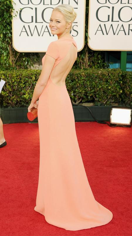 एम्मा Stone wearing peach backless dress at Golden Globes