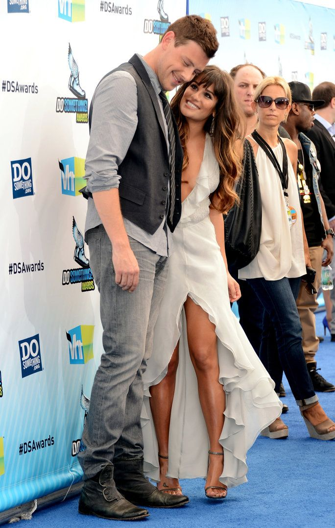 ทุ่งหญ้า Michele and Cory Monteith Couple Moments lead