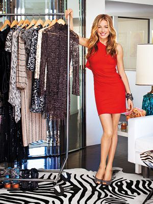 के भीतर Cat Deeley's Closet - Cat in RM by Roland Mouret