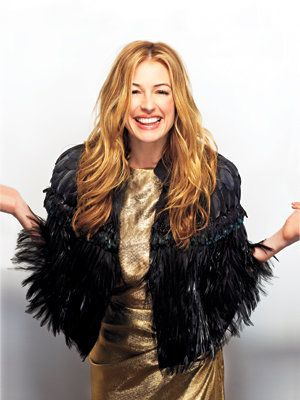 के भीतर Cat Deeley's Closet: Cat in a Prada Cape