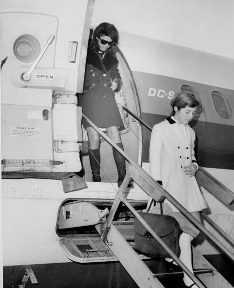 แจ๊คกี้ Kennedy Onassis and Caroline Kennedy