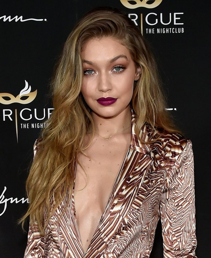 आदर्श Gigi Hadid attends her 21st birthday celebration at Intrigue Nightclub.