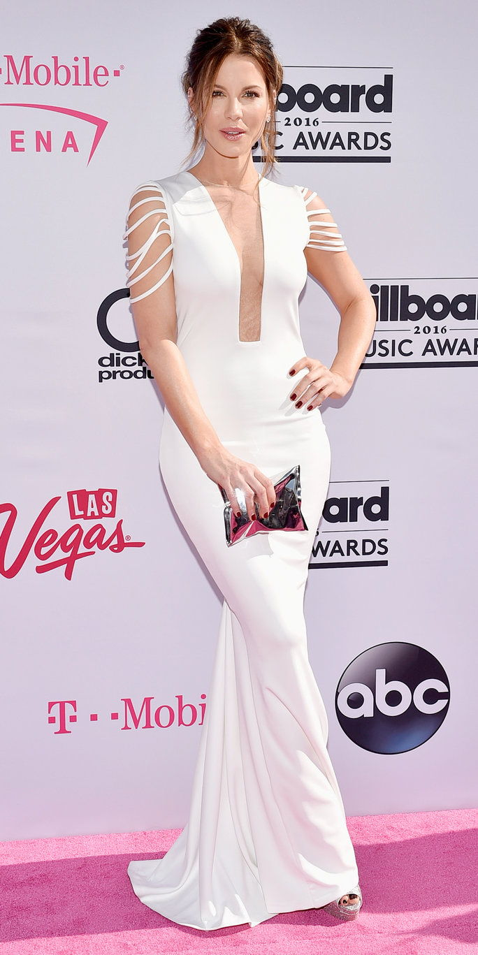 अभिनेत्री Kate Beckinsale attends the 2016 Billboard Music Awards at T-Mobile Arena on May 22, 2016 in Las Vegas, Nevada.