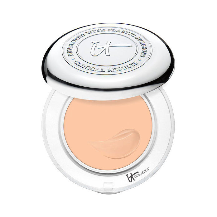 यह Cosmetics Confidence In A Compact With SPF 50+