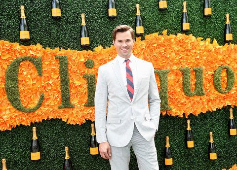 जर्सी CITY, NJ - JUNE 04: Actor Andrew Rannells attends the Ninth Annual Veuve Clicquot Polo Classic at Liberty State Park on June 4, 2016 in Jersey City, New Jersey. (Photo by Jamie McCarthy/Getty Images for Veuve Clicquot)