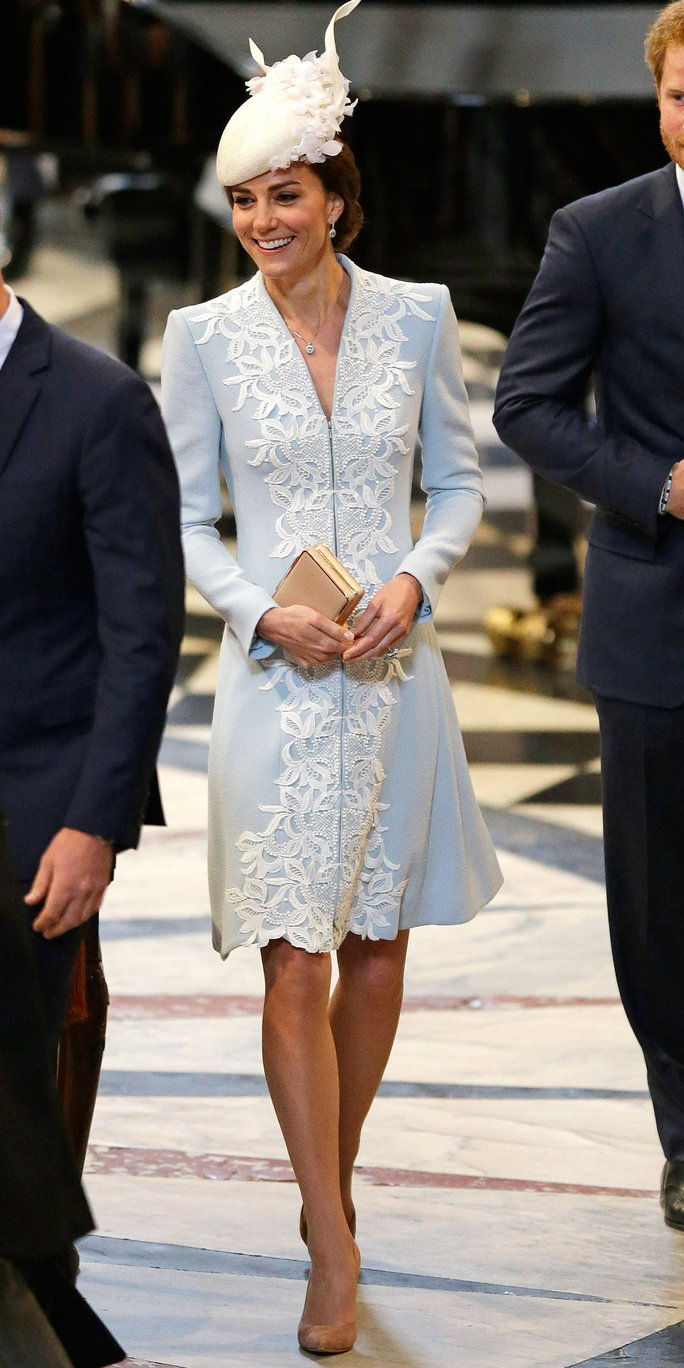 राजकुमार William, Duke of Cambridge, Catherine, Duchess of Cambridge and Prince Harry arrive for a service of thanksgiving for Queen Elizabeth II's 90th birthday at St Paul's cathedral on June 10, 2016 in London, United Kingdom.