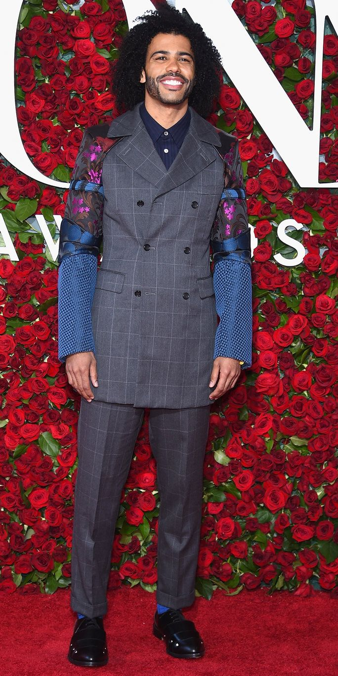 Daveed Diggs attends the 70th Annual Tony Awards at The Beacon Theatre on June 12, 2016 in New York City.