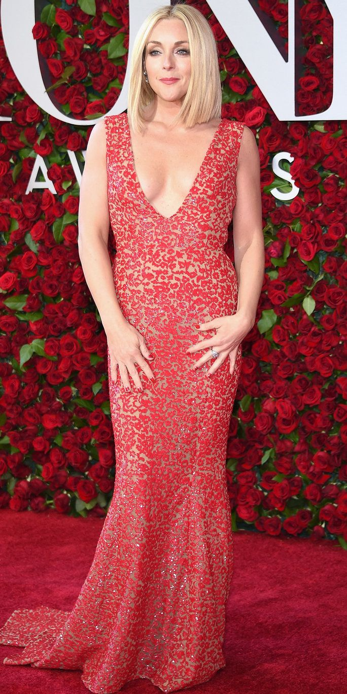 जेन Krakowski attends the 70th Annual Tony Awards at The Beacon Theatre on June 12, 2016 in New York City.