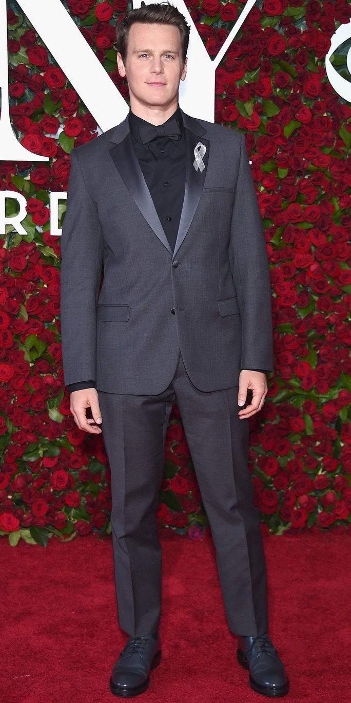जोनाथन Groff attends the 70th Annual Tony Awards at The Beacon Theatre on June 12, 2016 in New York City.