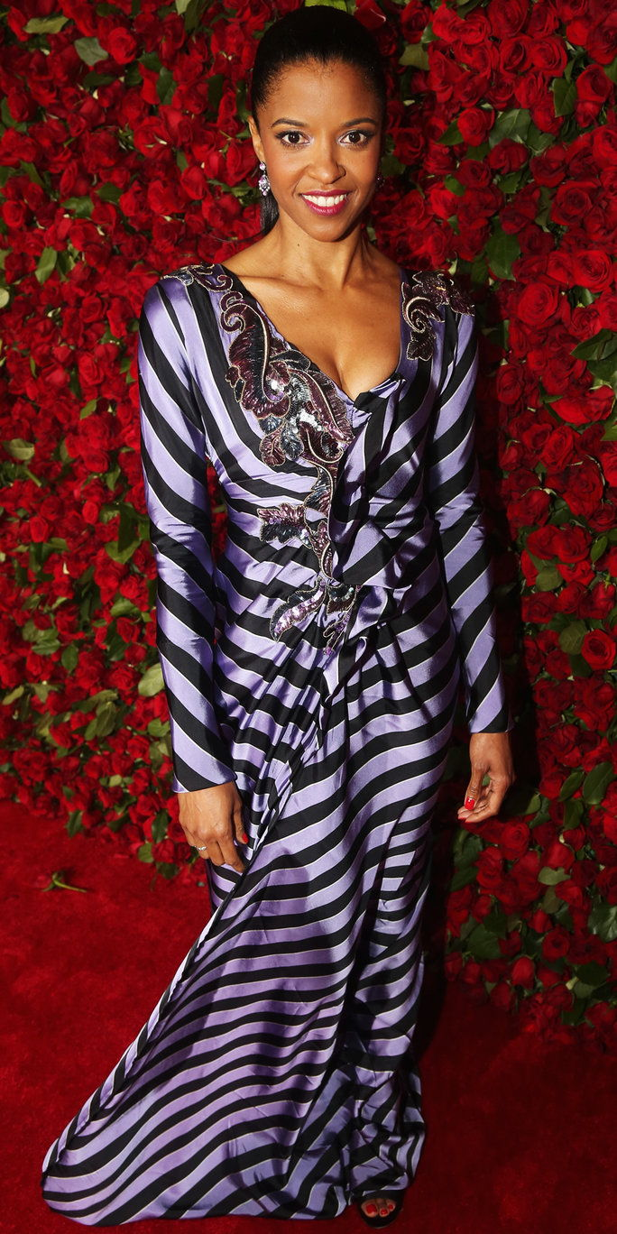 रेनी Elise Goldsberry attends 70th Annual Tony Awards - Arrivals at Beacon Theatre on June 12, 2016 in New York City.
