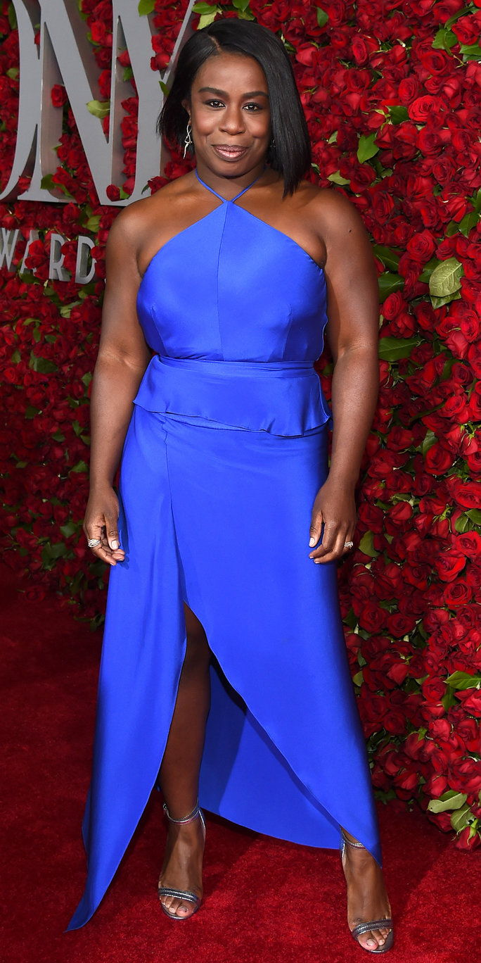 अभिनेत्री Uzo Aduba attends the 70th Annual Tony Awards at The Beacon Theatre on June 12, 2016 in New York City.