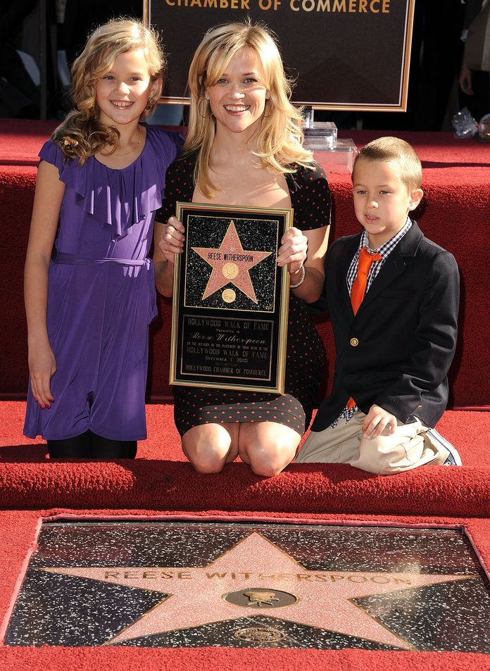 रीज़, Ava, and Deacon on the Hollywood Walk of Fame