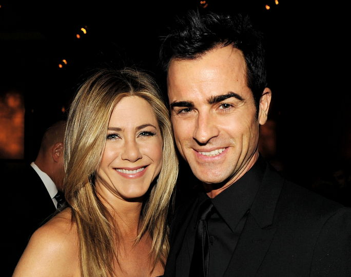 जेनिफर Aniston and Justin Theroux JANUARY 28, 2012