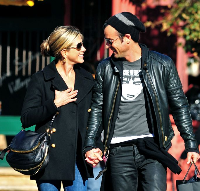 ennifer Aniston and Justin Theroux SEPTEMBER 18 2011