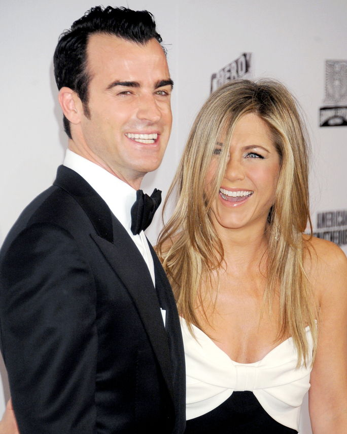 जेनिफर Aniston and Justin Theroux NOVEMBER 15, 2012