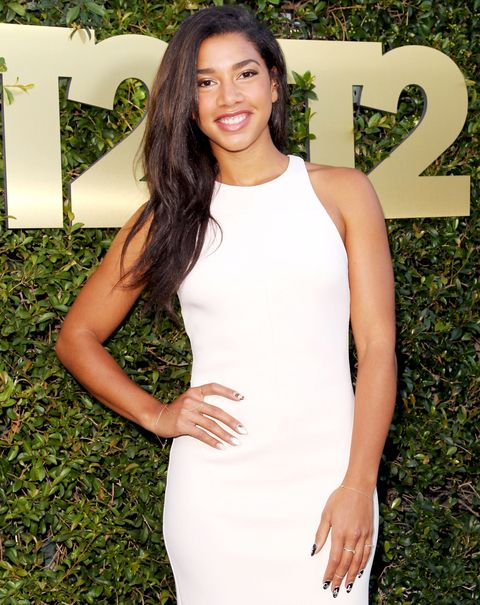 आदर्श/DJ Hannah Bronfman attends the E3 Kickoff party hosted by Take-Two Interactive CEO Strauss Zelnick on June 15, 2015 in West Hollywood, California.