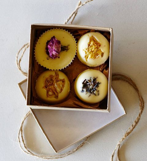 ช่อดอกไม้ Bath Truffles Made With Goat's Milk from Anthropologie