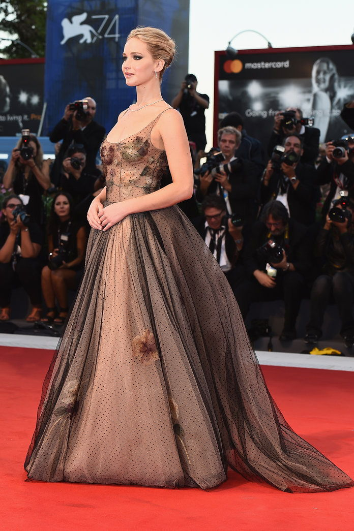 जेनिफर Lawrence - Venice Film Festival - Embed -1