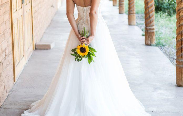 9 ภาพถ่ายที่พิสูจน์ดอกทานตะวันเป็นดอกไม้งานแต่งงานที่น่าสนใจ