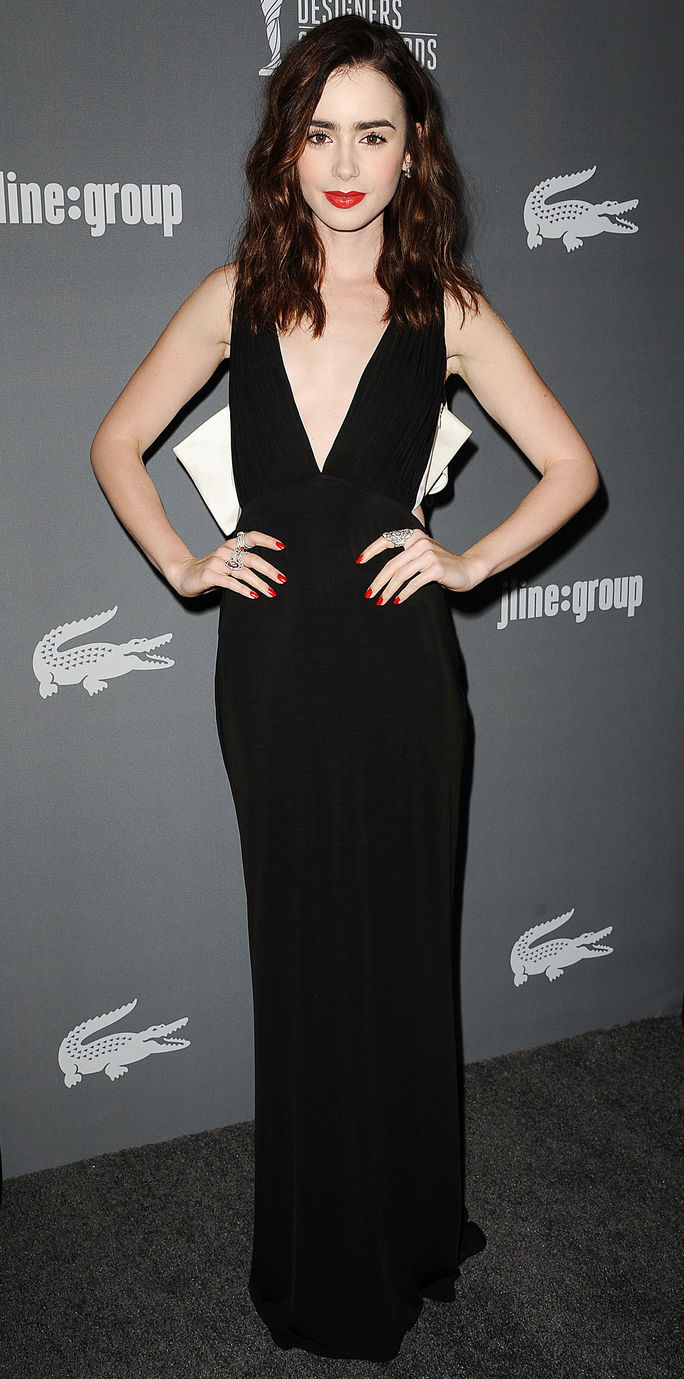 15 वीं Annual Costume Designers Guild Awards Lily Collins