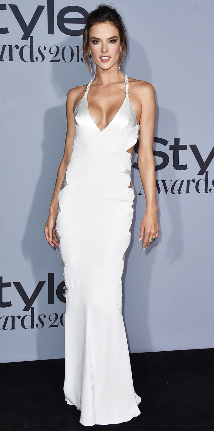 एलेसेंड्रा Ambrosio arrives at the inaugural InStyle Awards at The Getty Center on Monday, Oct. 26, 2015, in Los Angeles. (Photo by Jordan Strauss/Invision/AP)