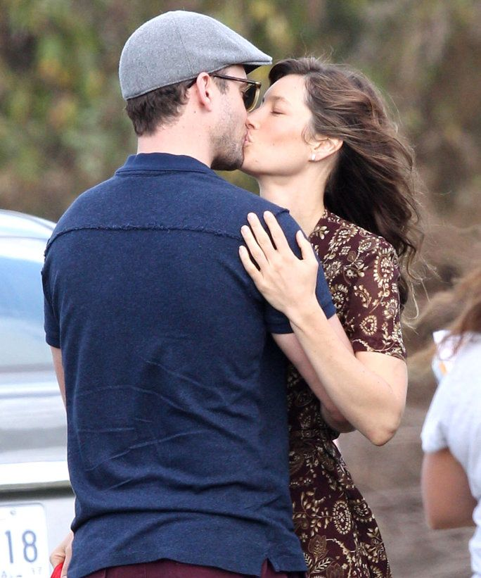 विशेष ... 52220206 Actress Jessica Biel gets a visit from husband Justin Timberlake on the set of 'Shock And Awe' in New Orleans, Louisiana on November 1st, 2016. The pair immediately began kissing and hugging before heading to her trailer. FameFlynet,