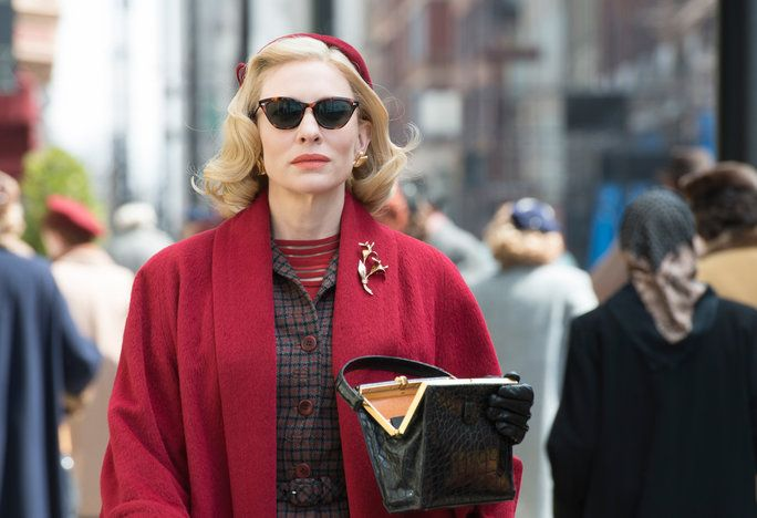 जबकि Carol wears cat-eye sunglasses, they aren't your modern day specs.