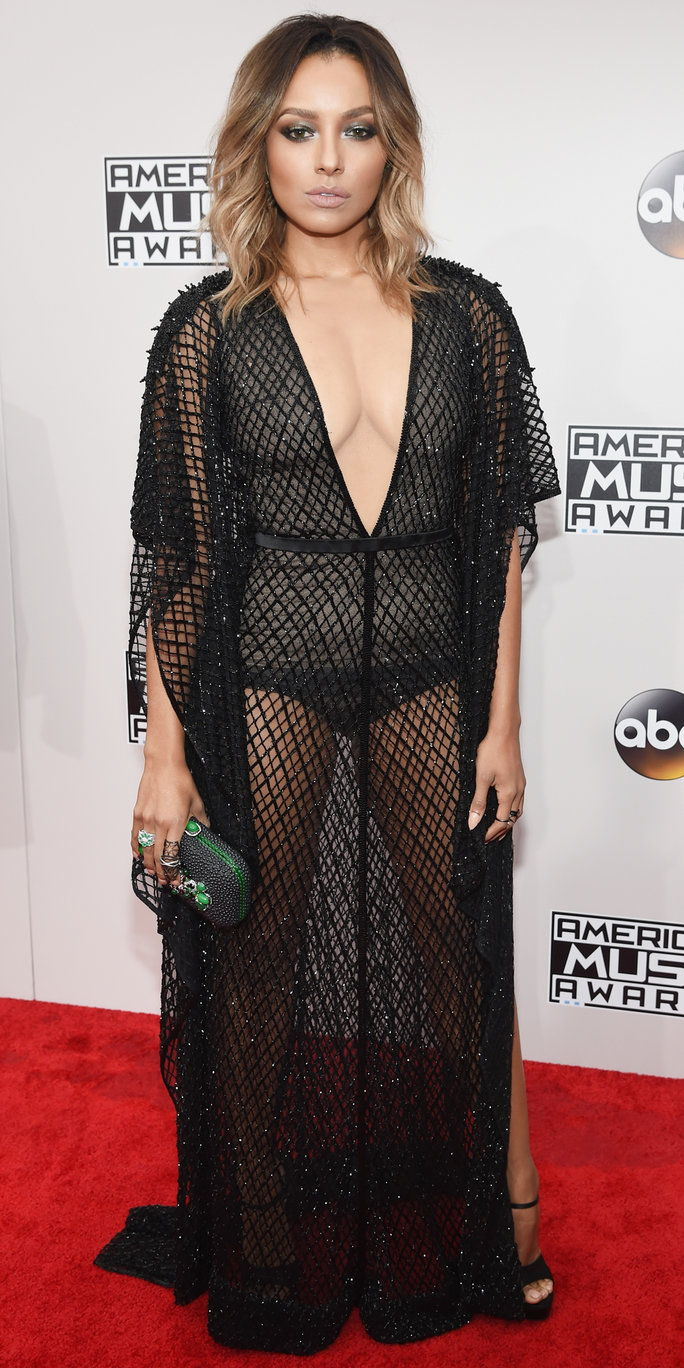 अभिनेत्री/singer Kat Graham attends the 2016 American Music Awards at Microsoft Theater on November 20, 2016 in Los Angeles, California.