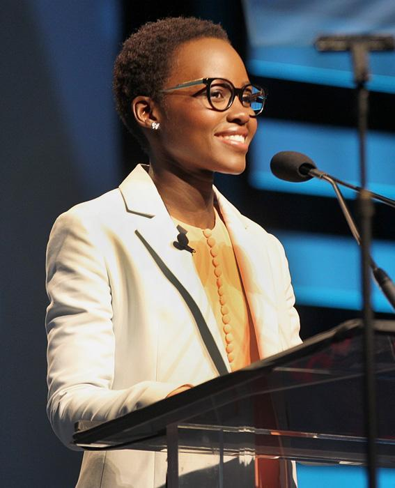 เซเลบ in Glasses: Lupita Nyong'o