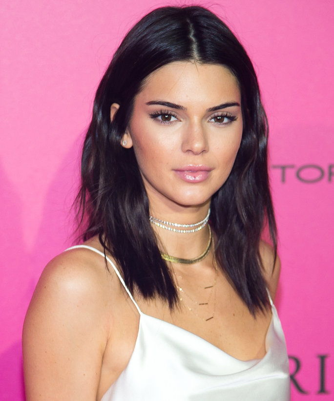 Kendall Jenner Necklace Picks - LEAD