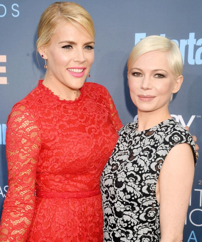 व्यस्त Philipps and Michelle Williams